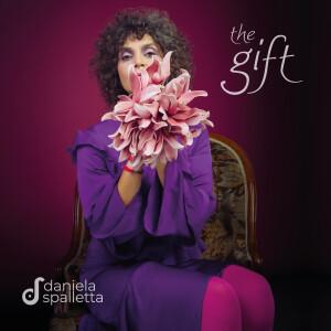 cover-thegift-danielaspalletta