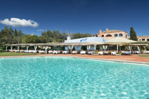 Barbecue Restaurant and Swimming Pool-